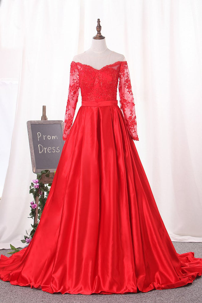 2019 Scoop Prom Dresses Long Sleeves Satin A Line With Applique Court Train