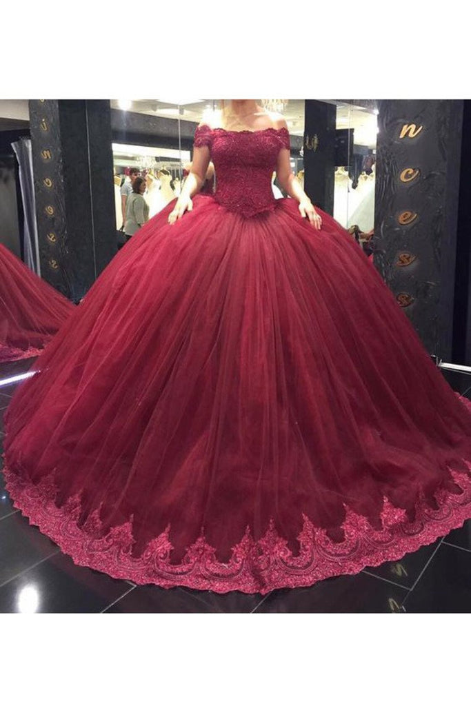 2019 Tulle Boat Neck With Applique Ball Gown Court Train Quinceanera Dresses