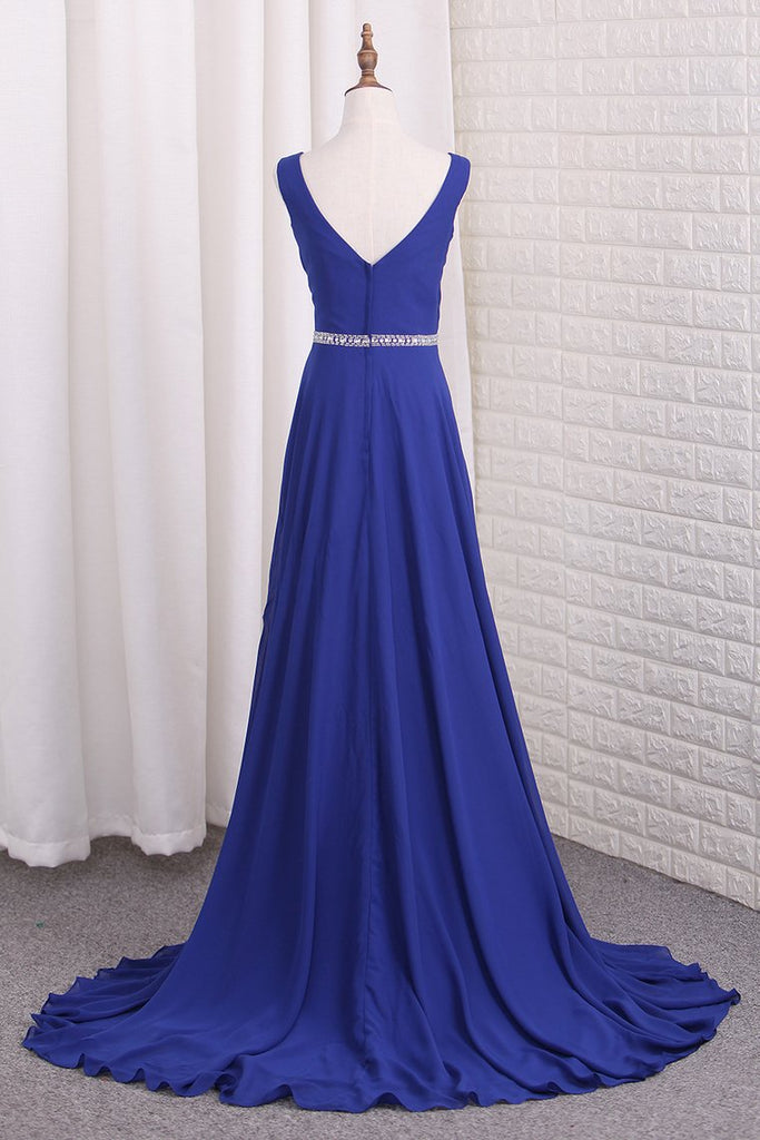 2020 A Line Chiffon V Neck Bridesmaid Dresses With Beads And Slit