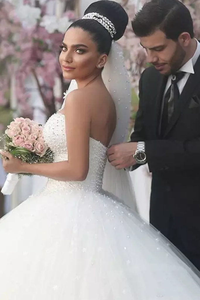 2019 Sweetheart Wedding Dresses Ball Gown Tulle With Beading Court Train