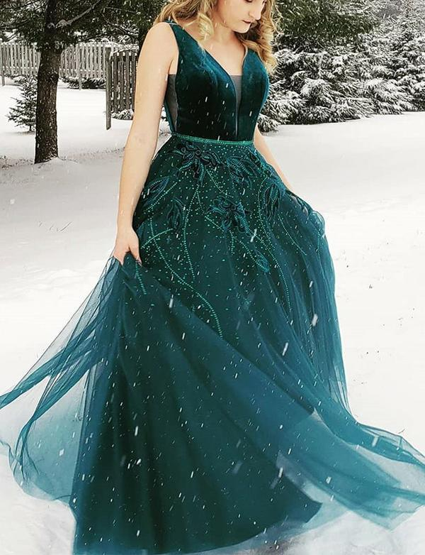 A Line V-Neck Backless Green Prom Dress With Appliques Beading Evening Gown WK458