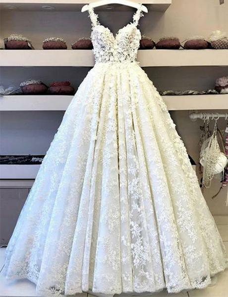 Ball Gown Lace Appliques V Neck Prom Dresses Spaghetti Straps Long Evening Dresses WK618