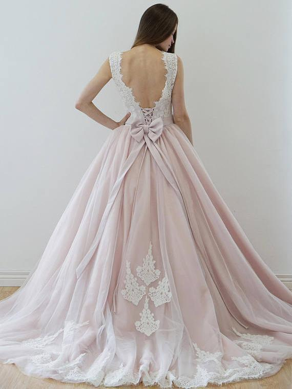 A Line Nude Tulle Pink Lace Appliqued Ball Gown Lace up Beach Wedding Dresses WK918