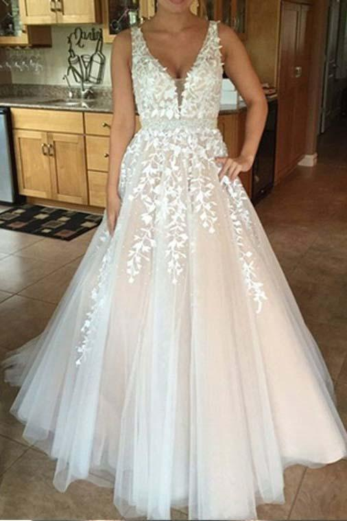 Unique V Neck Tulle Lace Wedding Dress Tulle Ball Gown Prom Dress With Appliques WK538