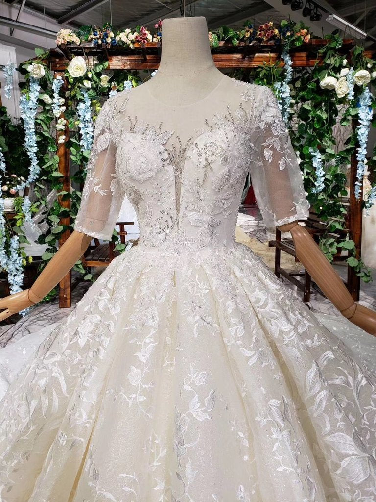Lace Half Sleeve Round Neck Ball Gown Wedding Dresses Fashion Beads Wedding Gown WK775