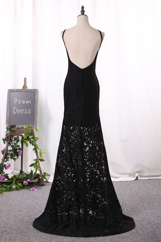 2019 Sexy Sheath Black Prom Dresses Spaghetti Straps Lace Sweep Train