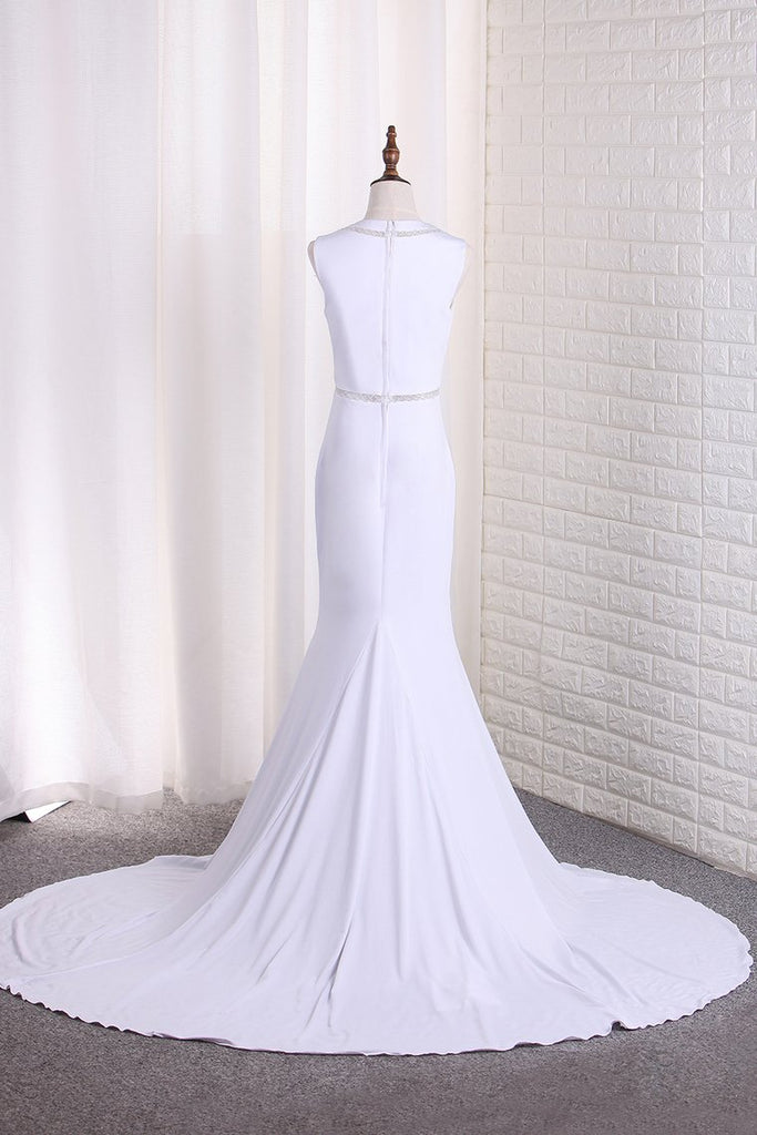 2019 New Arrival Mermaid Scoop Wedding Dresses With Beads Sweep Train