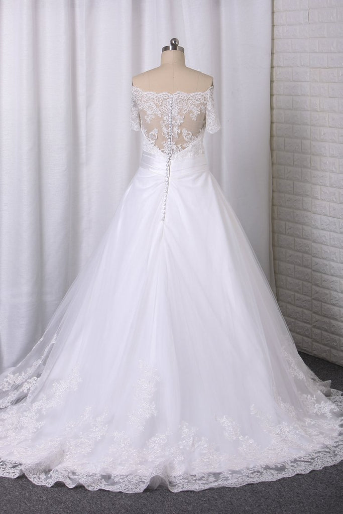 2020 A Line Boat Neck Wedding Dresses Short Sleeves Tulle With Applique Chapel Train