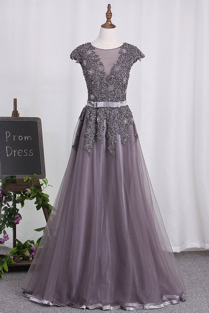 2019 Scoop Tulle Prom Dresses With Applique And Beaded Bodice