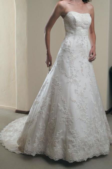 Elegant A Line Ivory Lace Appliques Sweetheart Strapless Sleeveless Long Wedding Dresses WK857