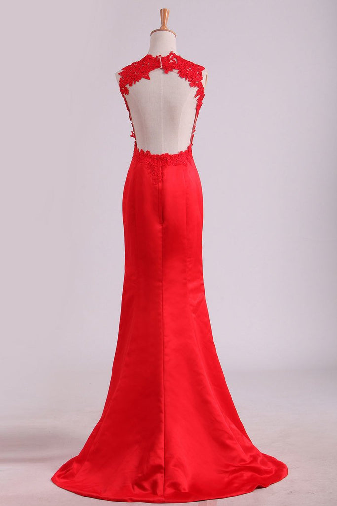2019 Sexy Open Back Scoop Satin With Applique Mermaid Prom Dresses