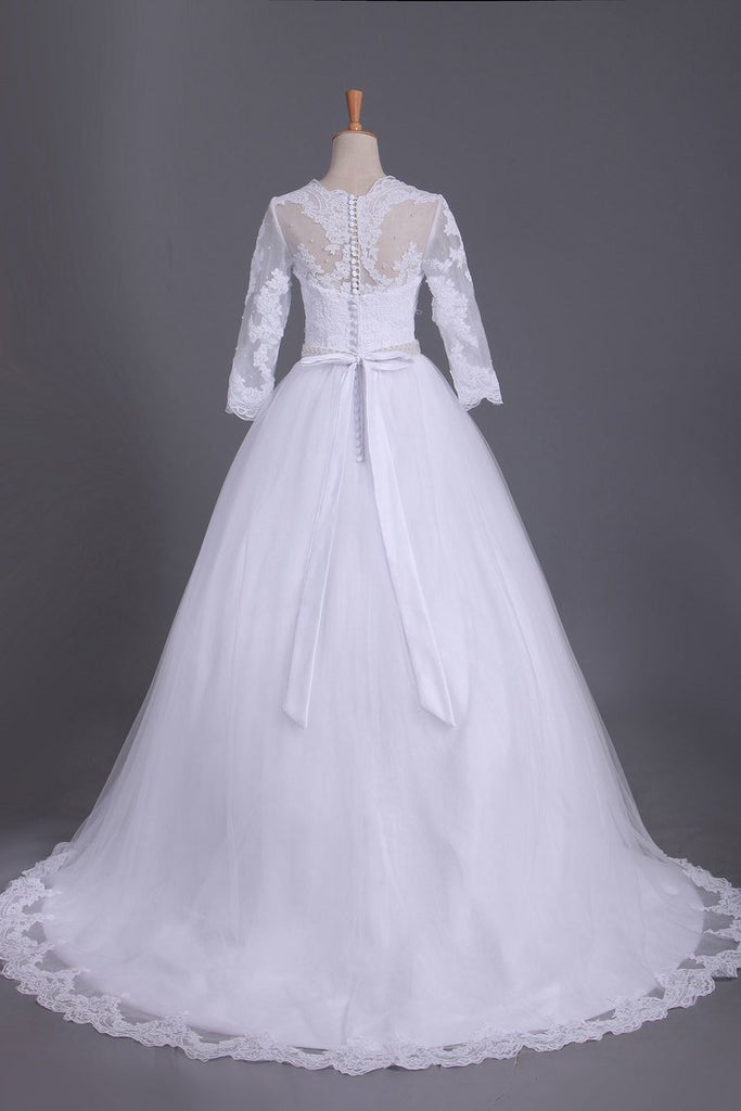 2020 3/4 Length Sleeve Bateau Wedding Dresses Tulle With Applique Court Train