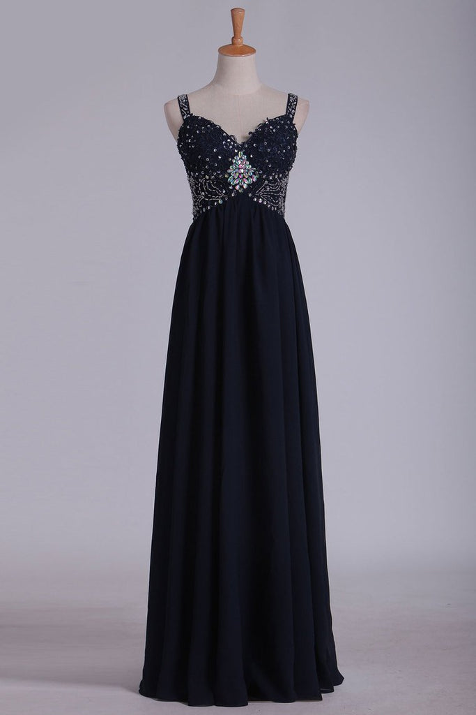 A Line Spaghetti Straps Chiffon Prom Dresses With Applique And Beads