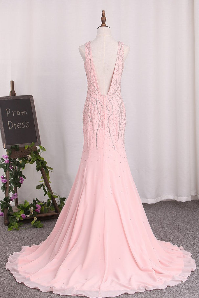 2019 Open Back V-Neck Mermaid Chiffon With Beads And Slit Prom Dresses
