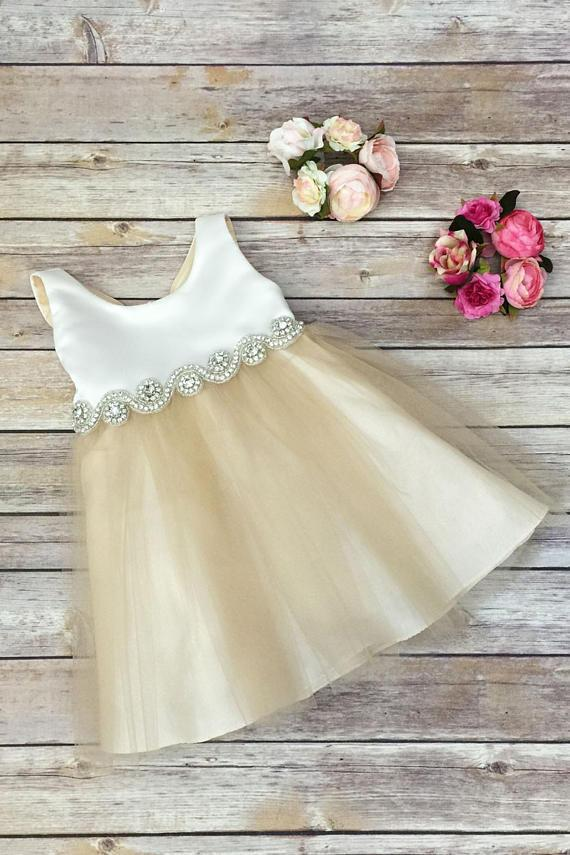 2020 Scoop Bowknot Knee-length Ivory Organza Beads Sleeveless Flower Girl Dresses WK673