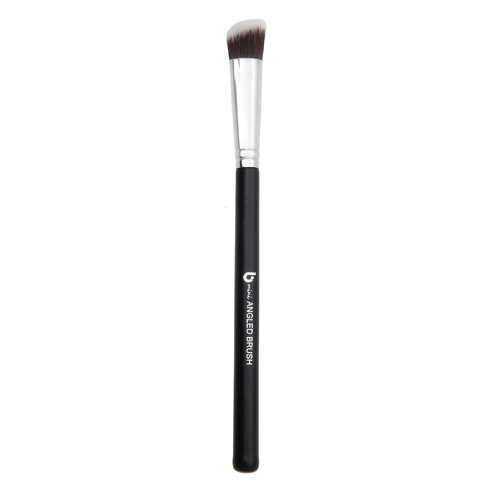 mini Angled Kabuki Makeup Brush