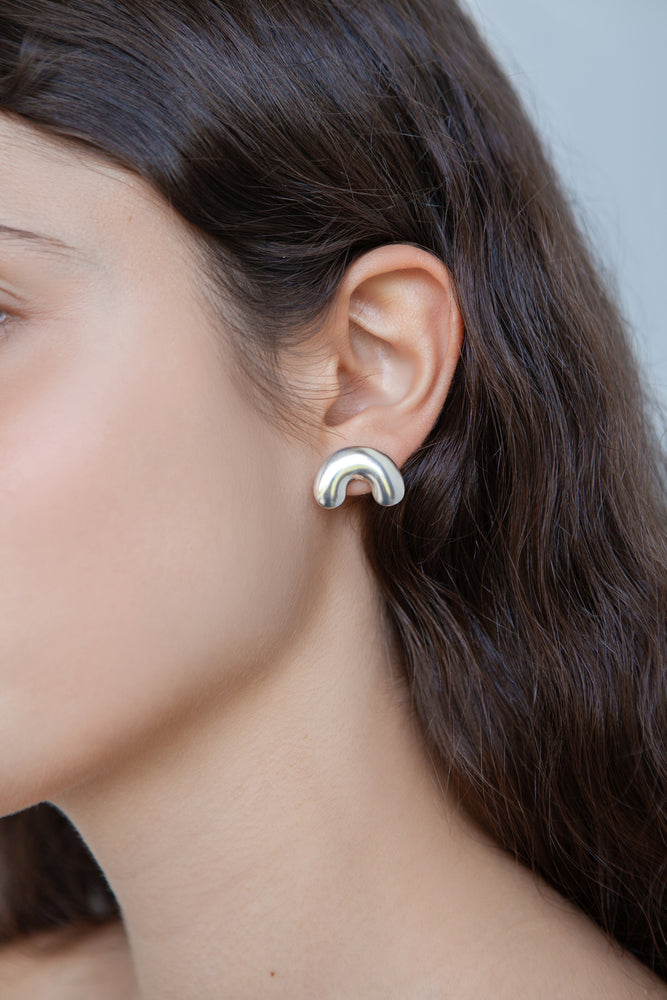 INFLATED CURVE EARRINGS