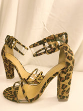 Load image into Gallery viewer, Chloe Cheetah Heel shoe