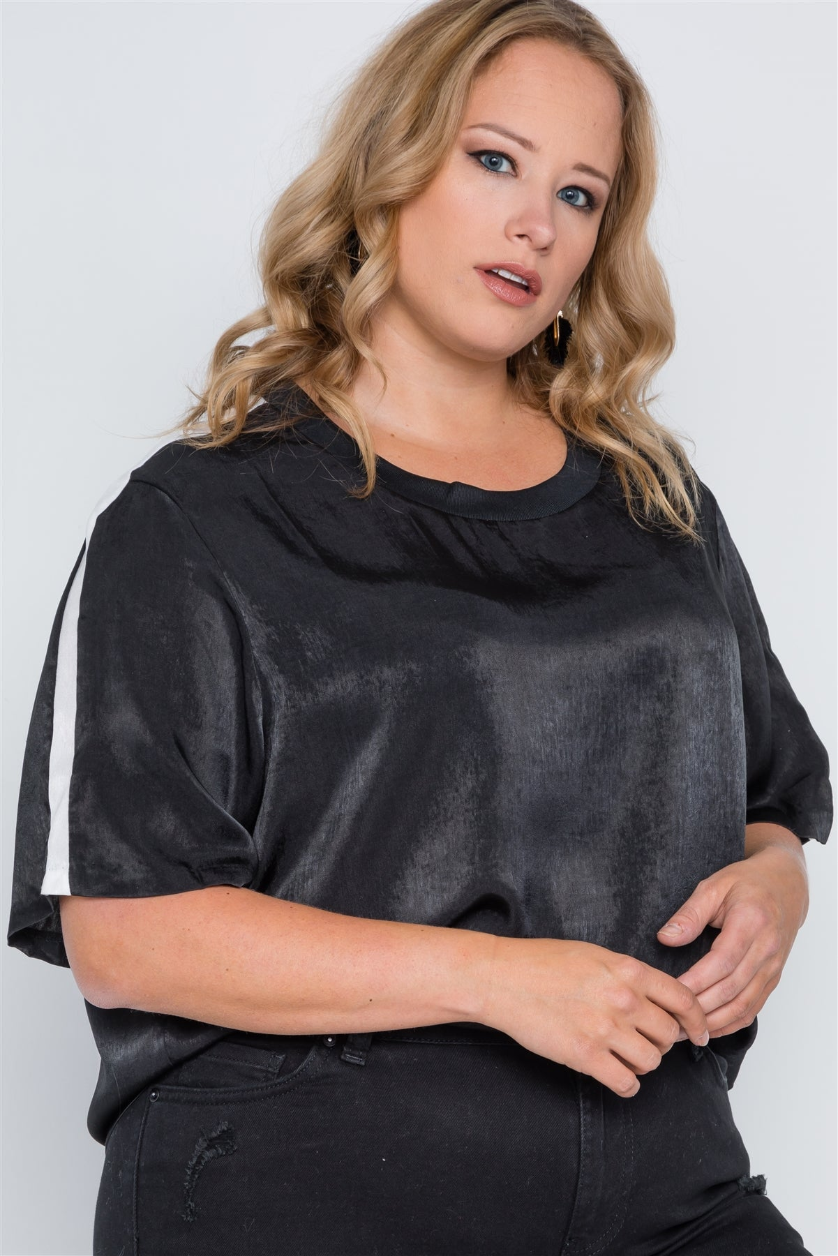 Plus Size Color Block Short Sleeve Top - FitBeautyTrends