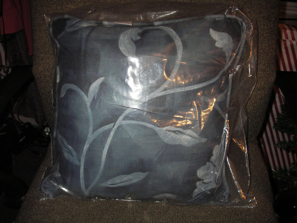 "SET OF 2 ACCENT PILLOW BY HOME COLLECTION JC PENNEY WEDGEWOOD BLUE 17"" X 17"" NIP"