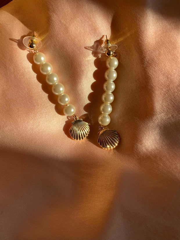 Pearl Drop Closed Shell Earrings