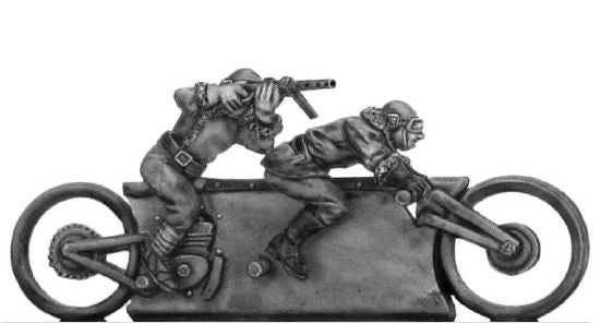NEW - Mad Maximillian Tandem Hog and crew, sub-machine gun armed (28mm)