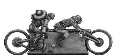 NEW - Mad Maximillian Tandem Hog and crew, flame thrower armed (28mm)
