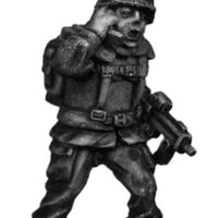 German Bundeswehr radio man with MP7 (28mm)