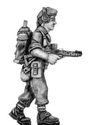British infantry in glengarry cap signaller with radio and Sterling 1967 Aden (28mm)