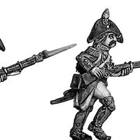 Grenadier, bicorne, ragged campaign uniform, advancing (28mm)