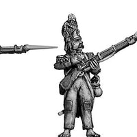 Grenadier, bearskin, ragged campaign uniform, firing and loading (28mm)