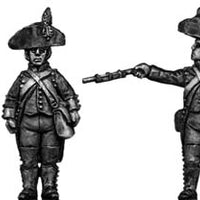 Foot artilleryman, bicorne, regulation uniform, firing (28mm)