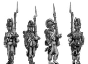 Grenadier, casque, ragged campaign uniform, march-attack (28mm)