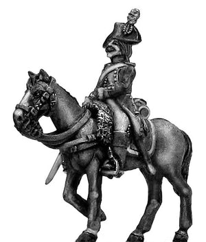 Heavy cavalry officer at rest (28mm)
