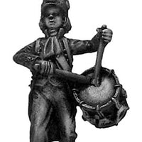 Drummer, casque, ragged campaign uniform, marching (28mm)