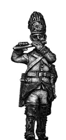 Austrian Grenadier fifer, marching, bearskin (28mm)
