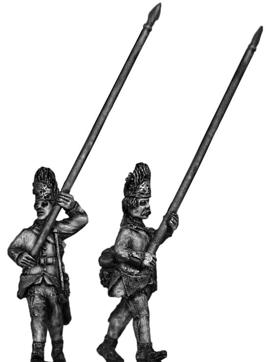 Hungarian Grenadier standard bearer, marching, bearskin (28mm)