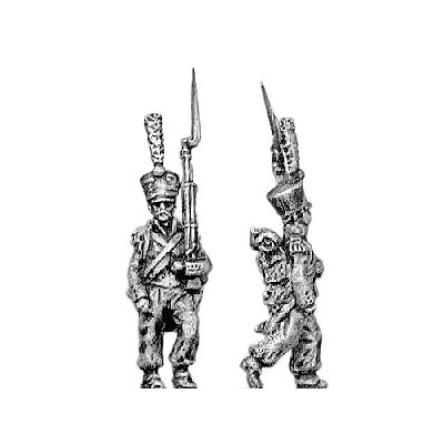 Grenadier, covered shako, march attack (18mm)
