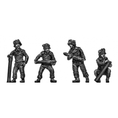 German 15cm Nebelwerfer crew in Pz jacket (20mm)