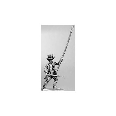 Militia standard bearer (18mm)