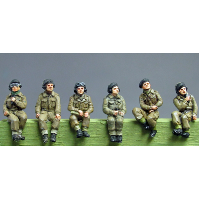 NEW - RAC Crew set 2 seated figures (20mm)