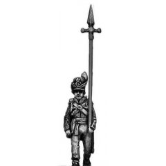 Centre Company sergeant, marching with pike (18mm)