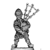 British Highland Regiment Bagpiper (28mm)