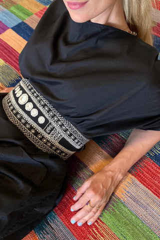 Julahas black and white wanderer belt