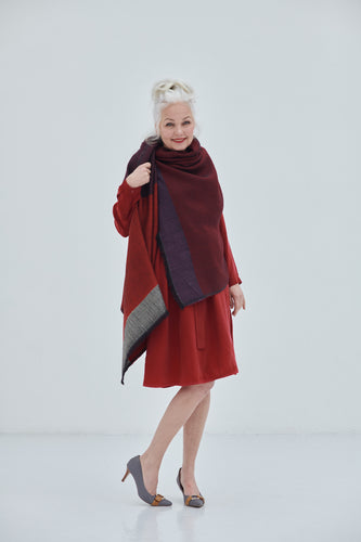 Timeless versatile one-size Daria Cape Mississippi in shades of red for all occassions