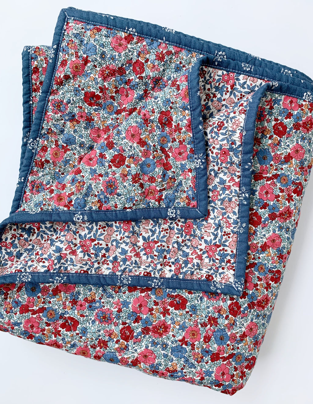 Wholecloth Winter Flower Toddler Quilt