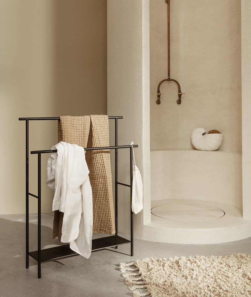 Dora Towel Stand - 2 Colors
