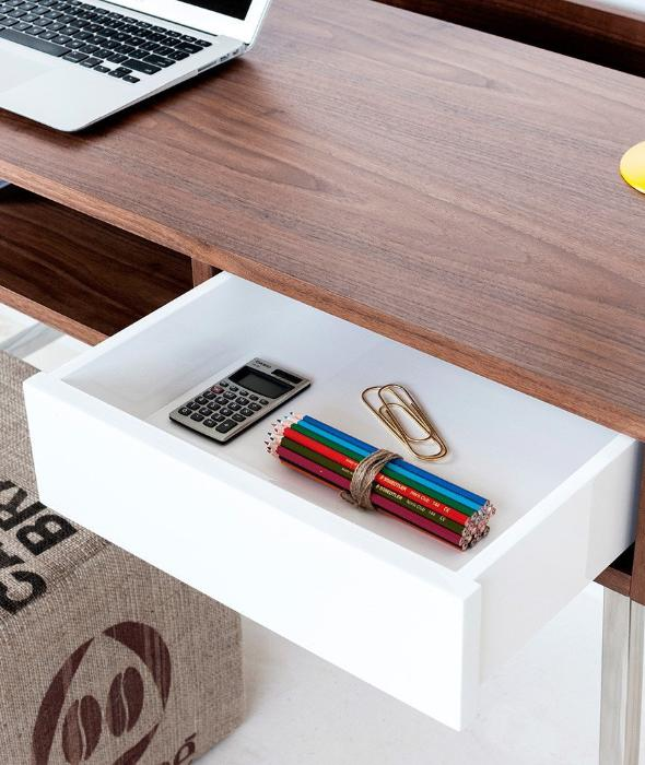 Junction Desk Gus* Modern - BEAM // Design Store