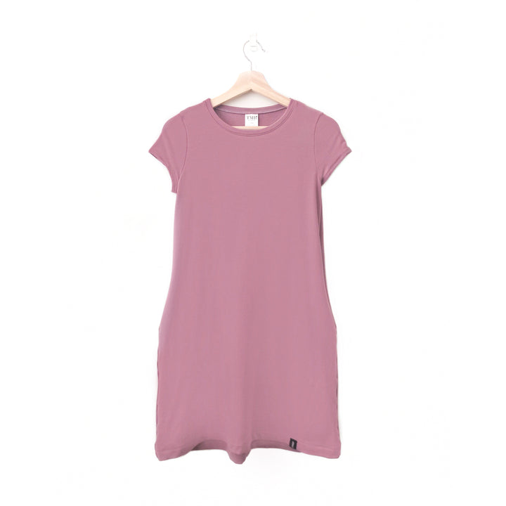 Mauve Woman's T-Shirt Pocket Dress