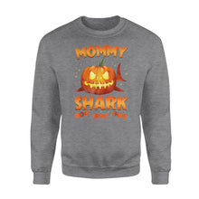 Load image into Gallery viewer, Cute Funny Pumpkin Mommy Shark Halloween costumes Family plus size Halloween printed Sweat shirt design - IPH2016